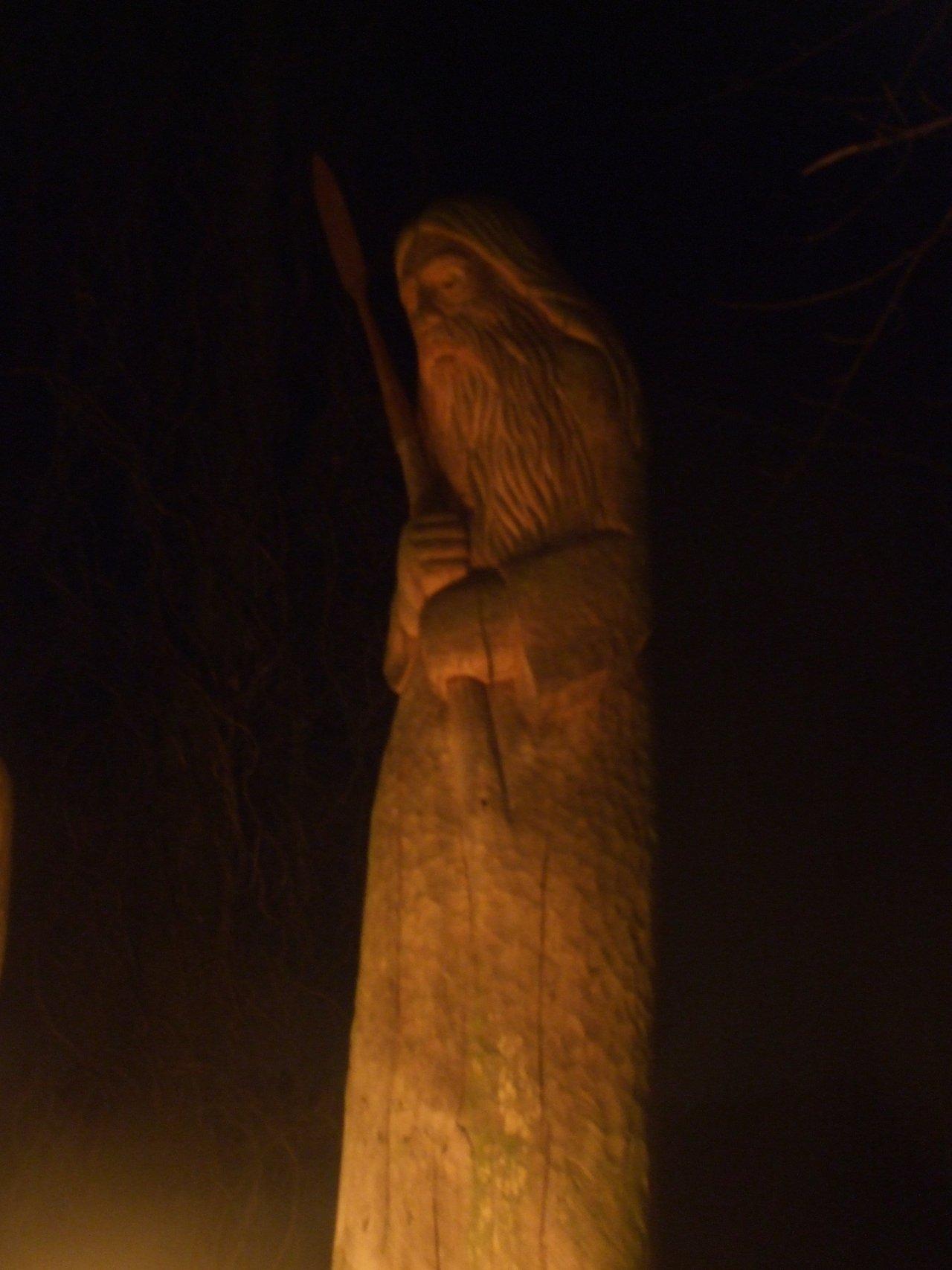 www.corvus-monedula.de/pics/gewandung/Odin.jpg